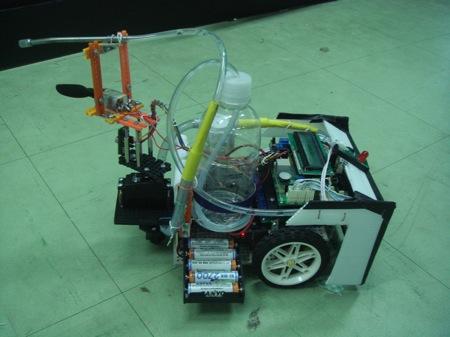 หุ่นยนต์เทศบาลเก็บขยะในคลอง