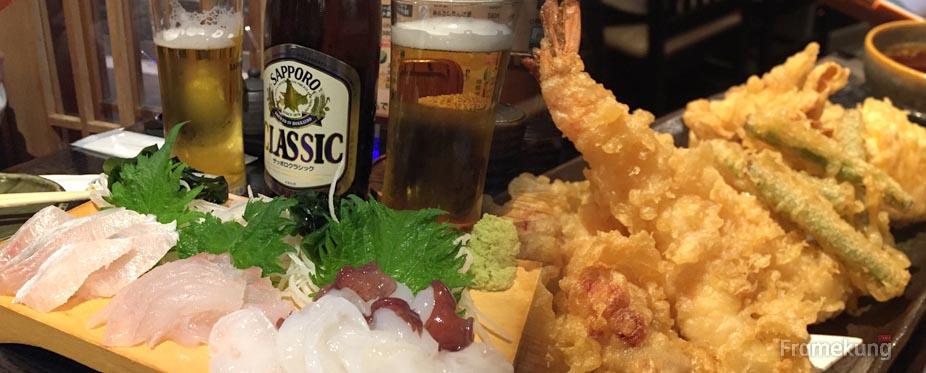 เข้ามาก็สั่งเป็น Tempura set , Sashimi set + เบียร์ Sapporo Classic 1 ขวด หมดไป ¥2,600 ครับ
