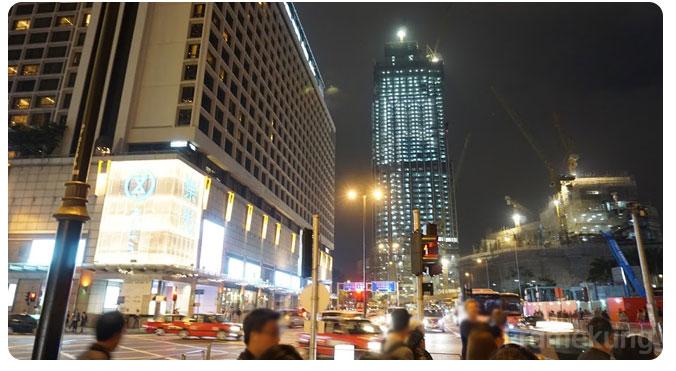 night_at_tsim_sha_tsui
